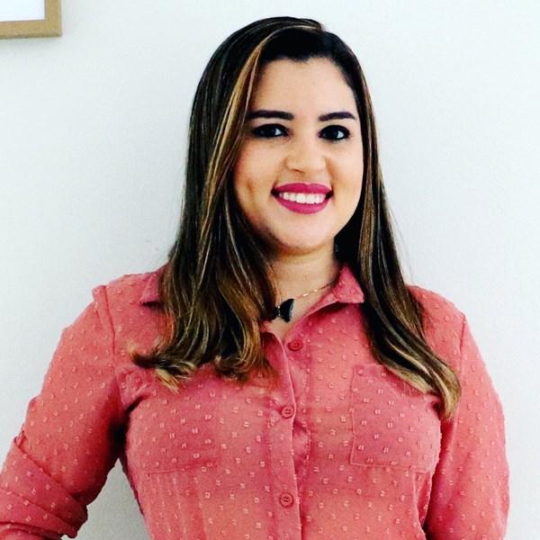 Ariane Viana Martins Portela